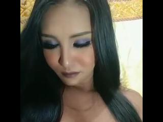 LadyboyAmira wichsvorlage titten Gratis Video